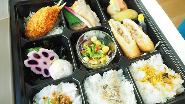 2日目昼食用お弁当。